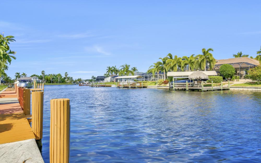 4611 SW 25th Pl, Cape Coral - Home For Sale 536590710