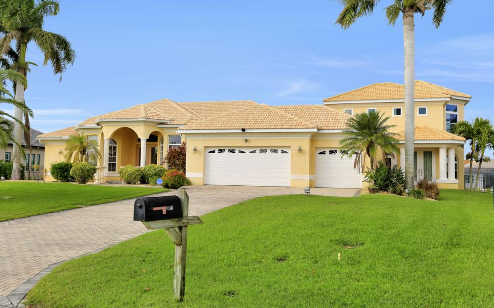 2211 SW 49th St, Cape Coral - Home For Sale 1837928577