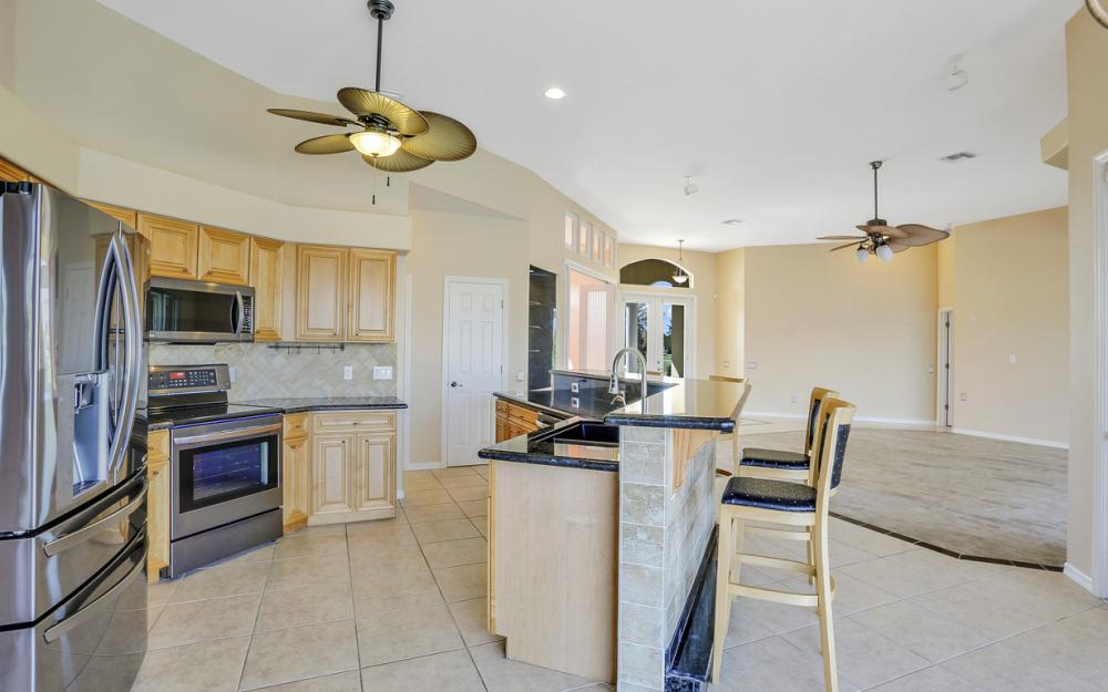 2211 SW 49th St, Cape Coral - Home For Sale 1465178102
