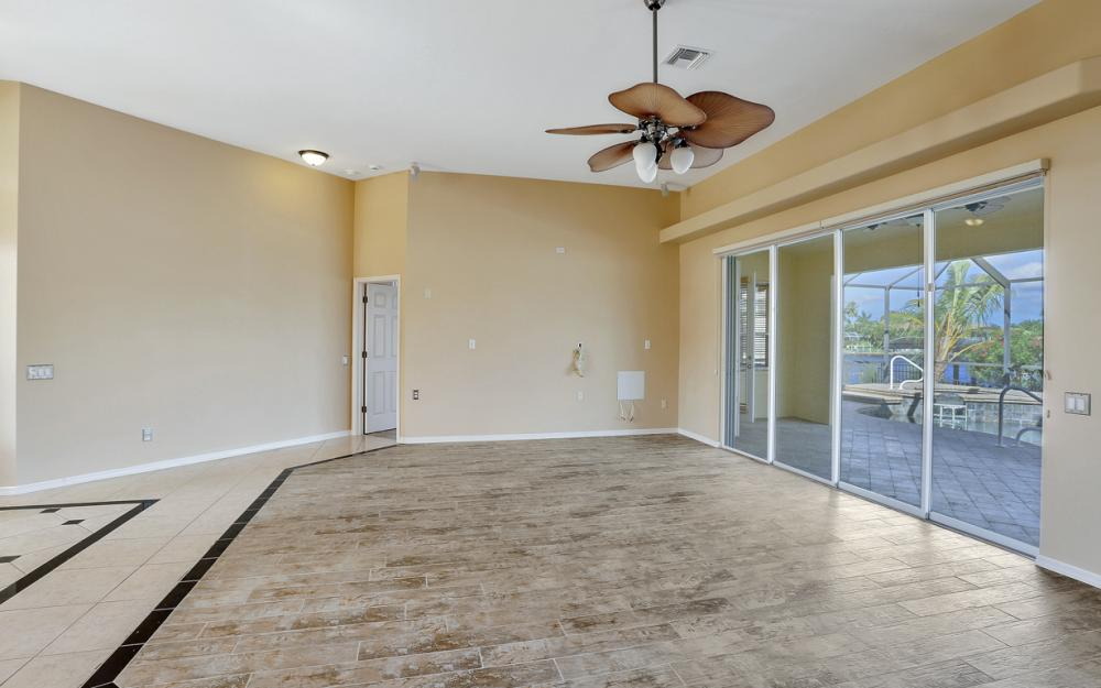 2211 SW 49th St, Cape Coral - Home For Sale 180244390