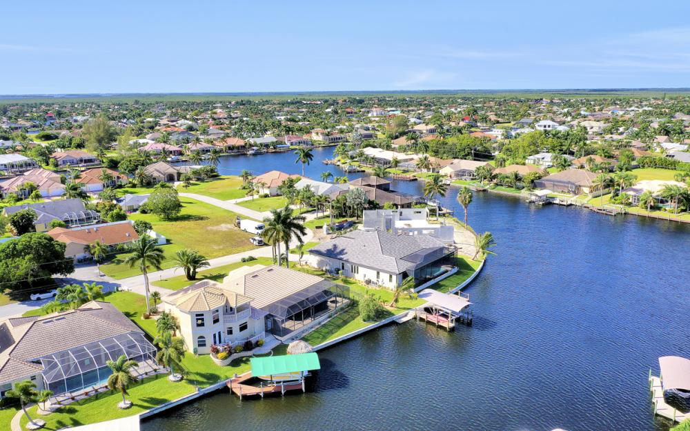 2211 SW 49th St, Cape Coral - Home For Sale 1101552144