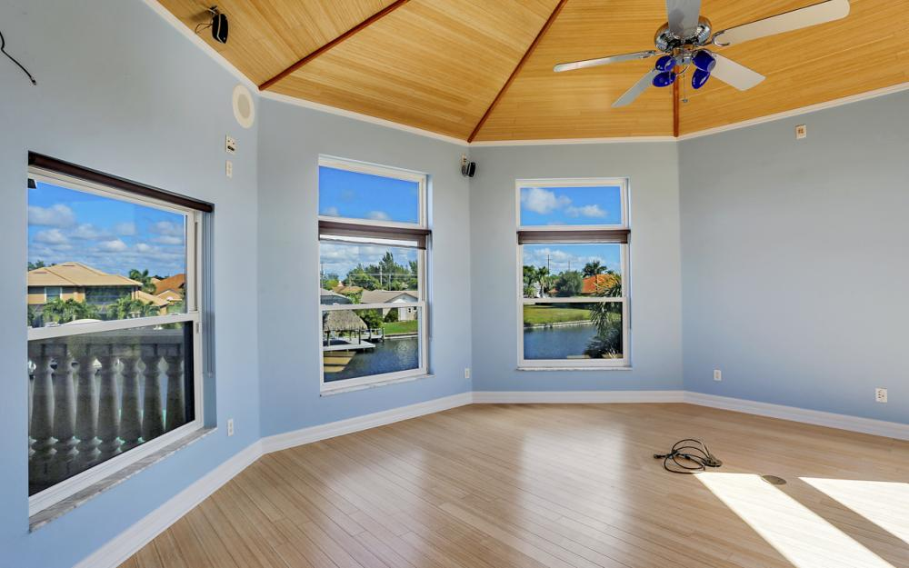 2211 SW 49th St, Cape Coral - Home For Sale 250888579