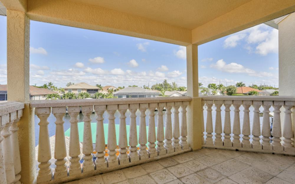 2211 SW 49th St, Cape Coral - Home For Sale 463739117
