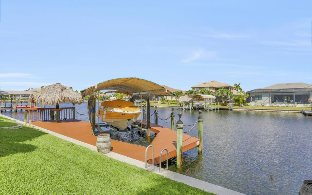 2211 SW 49th St, Cape Coral - Home For Sale 432661839
