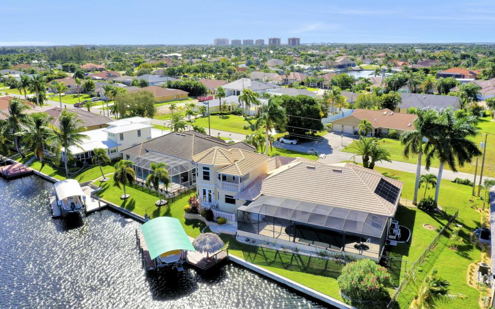 2211 SW 49th St, Cape Coral - Home For Sale 68774018