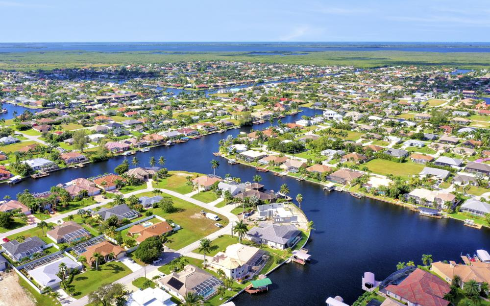 2211 SW 49th St, Cape Coral - Home For Sale 1083395647