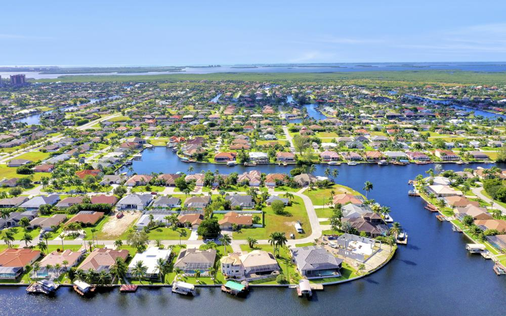 2211 SW 49th St, Cape Coral - Home For Sale 965154052
