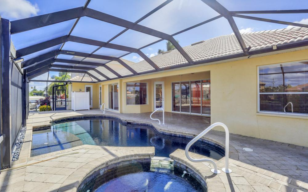 2211 SW 49th St, Cape Coral - Home For Sale 438928991