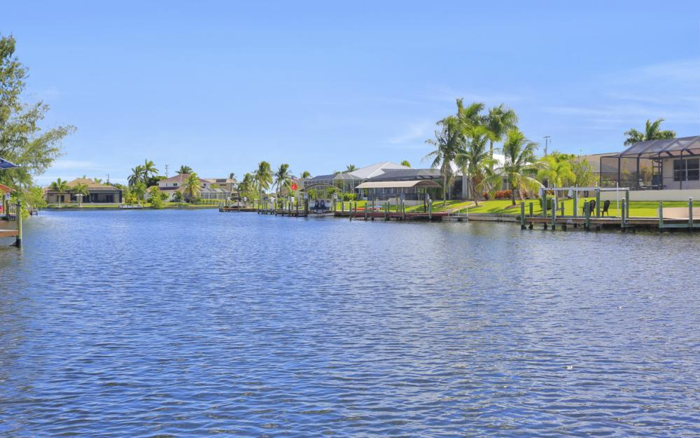 2024 SW 44th Ter Cape Coral - Home For Sale 55769174