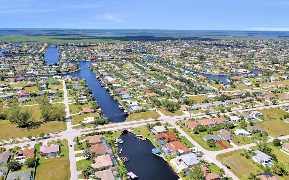 2024 SW 44th Ter Cape Coral - Home For Sale 857500272