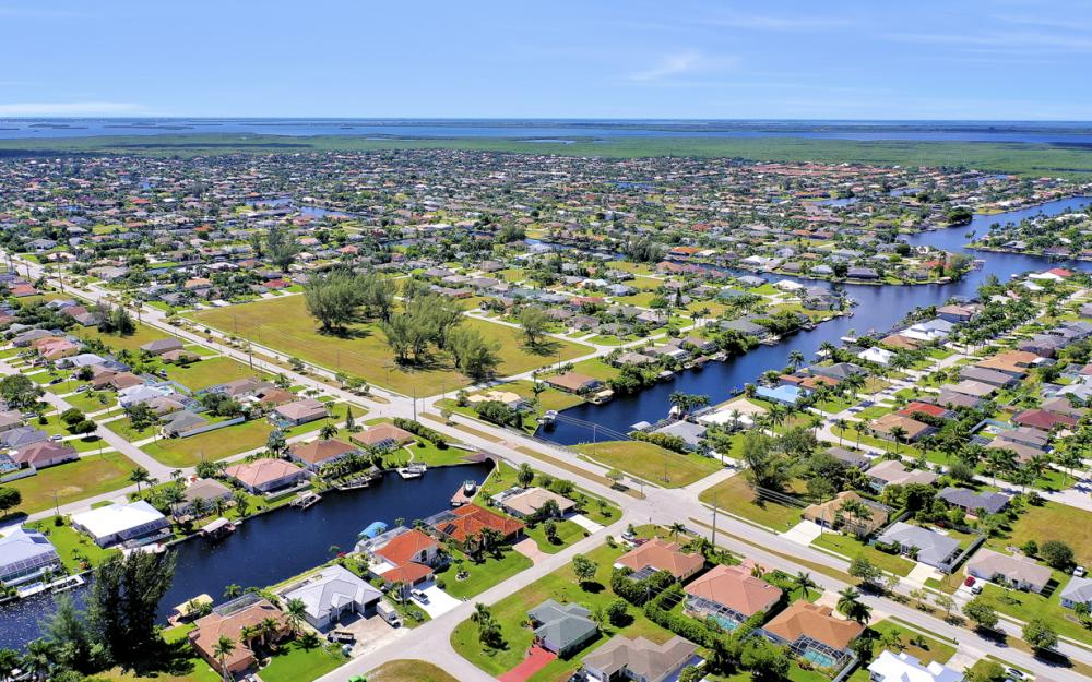 2024 SW 44th Ter Cape Coral - Home For Sale 1001545082