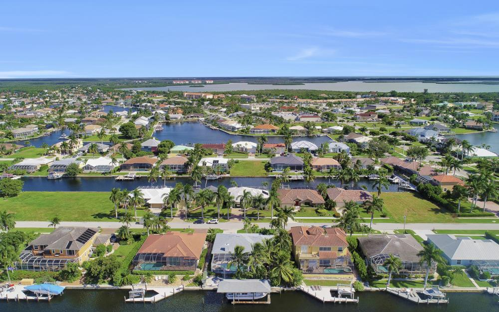 44 Algonquin Ct, Marco Island - Home For Sale 1515223174