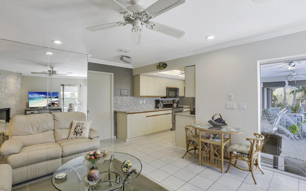 44 Algonquin Ct, Marco Island - Home For Sale 593025929