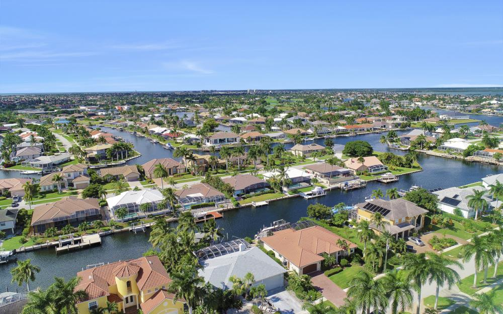 44 Algonquin Ct, Marco Island - Home For Sale 1099709412