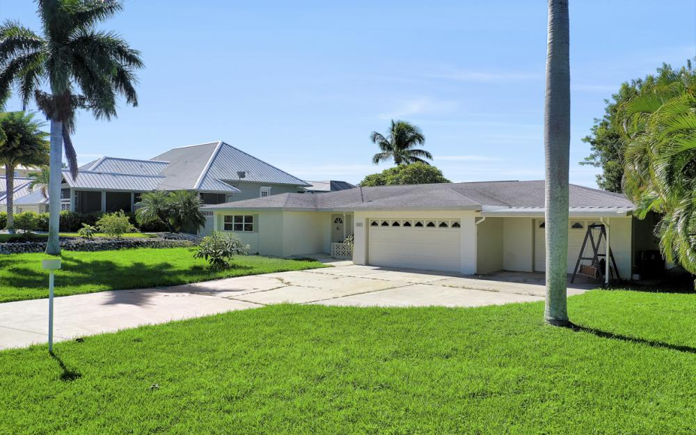 3779 San Carlos Dr, St James City - Home For Sale 1321355407
