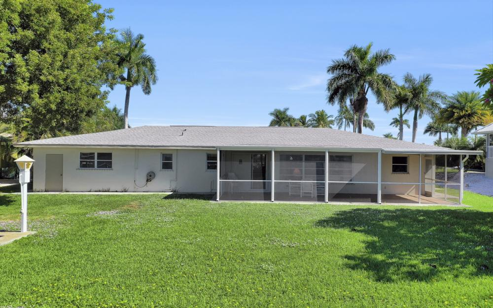 3779 San Carlos Dr, St James City - Home For Sale 2147316837