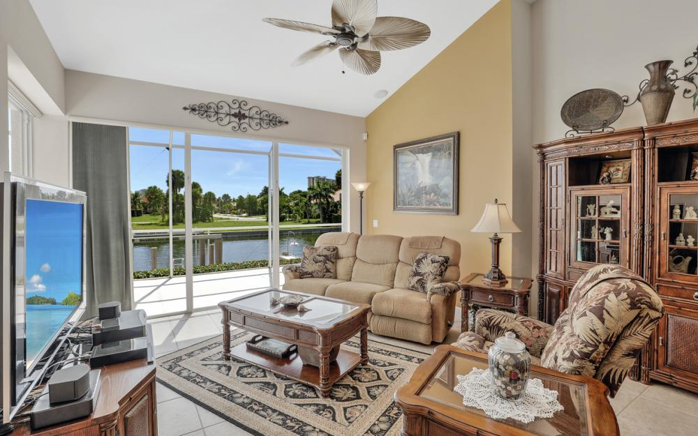 795 Dove Ct, Marco Island - Home For Sale 80950576