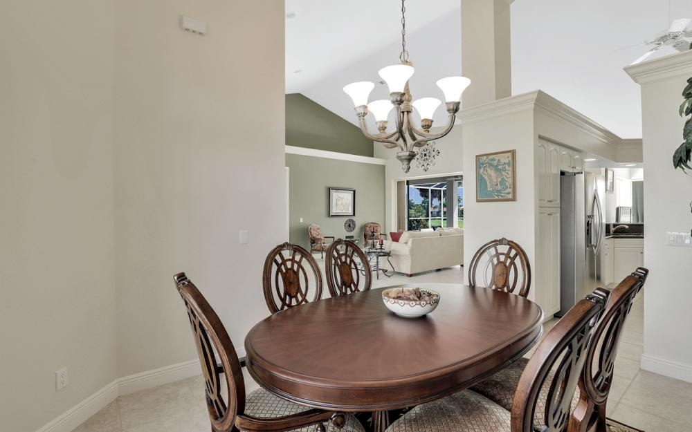 795 Dove Ct, Marco Island - Home For Sale 679932281