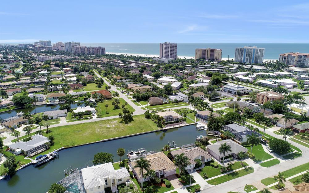 795 Dove Ct, Marco Island - Home For Sale 522865282