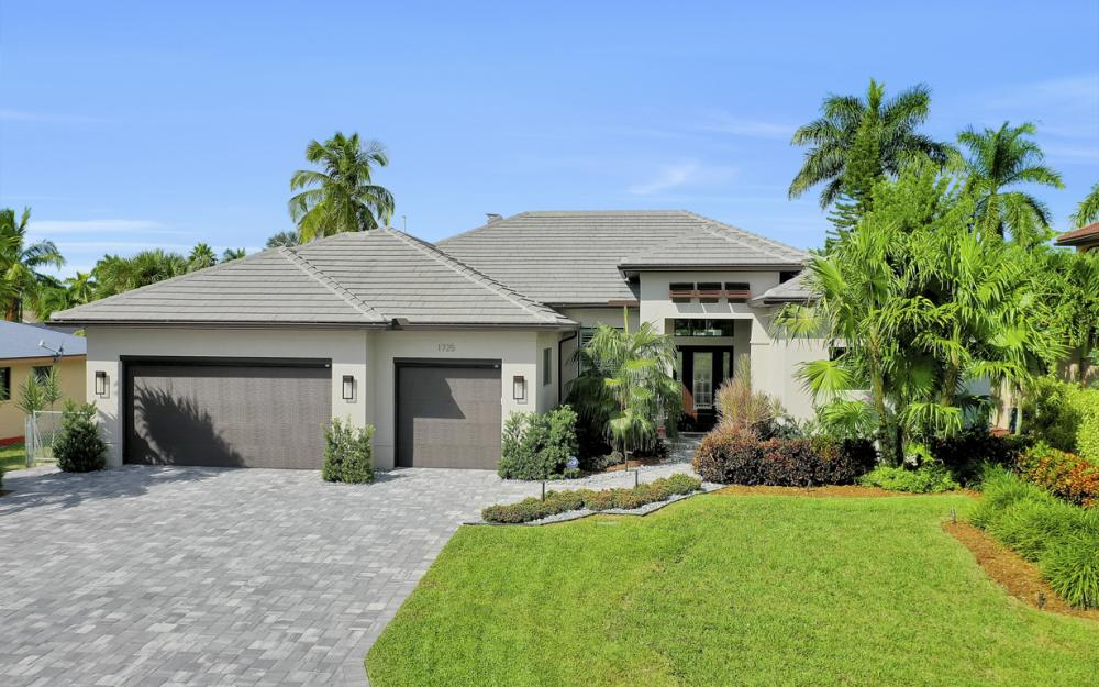 1725 SE 44th St, Cape Coral - Luxury Home For Sale 898026857