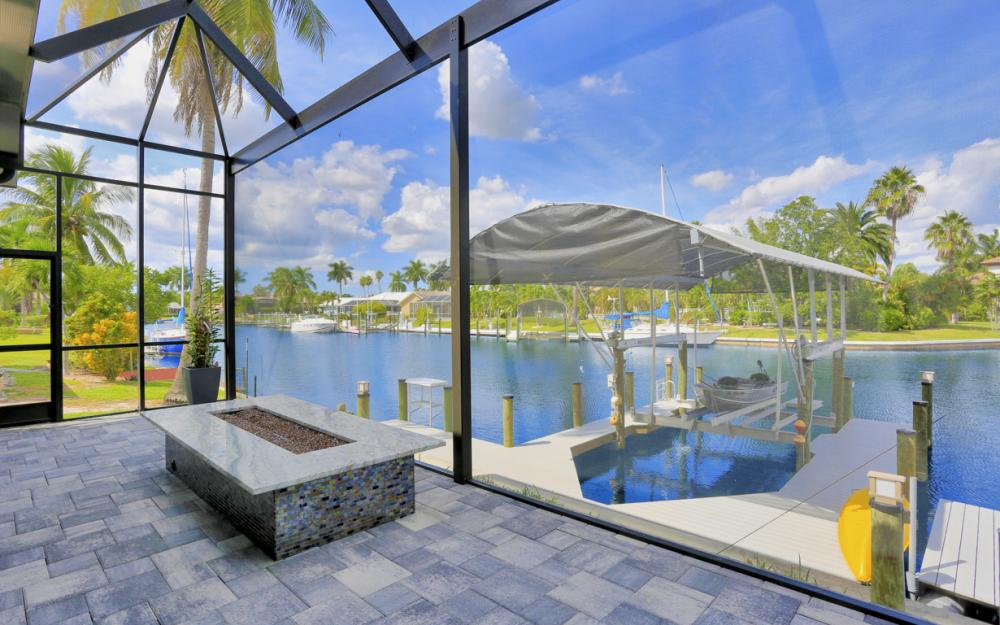 1725 SE 44th St, Cape Coral - Luxury Home For Sale 711533676
