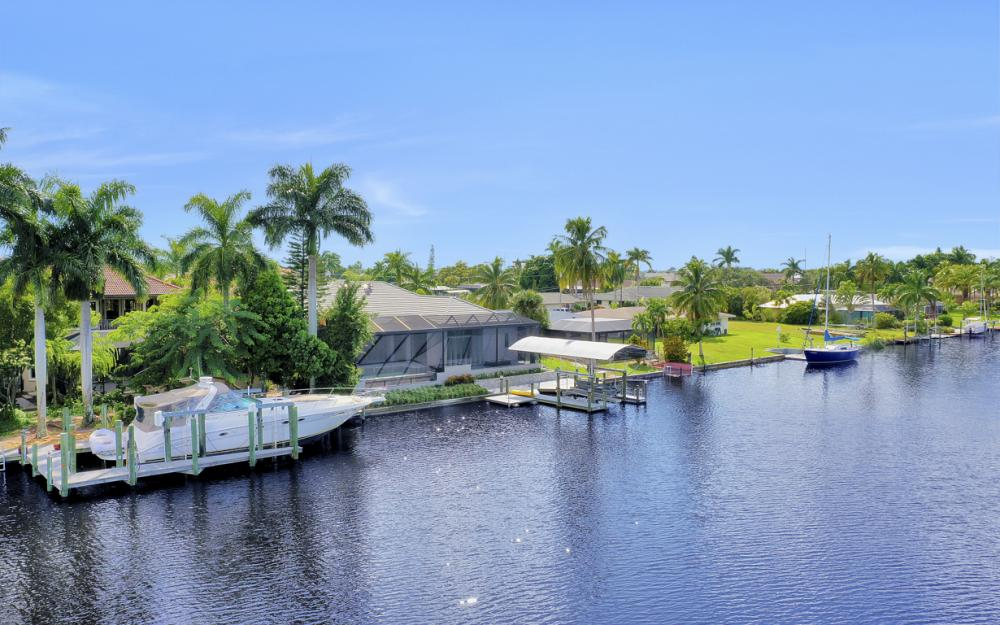 1725 SE 44th St, Cape Coral - Luxury Home For Sale 1726565607