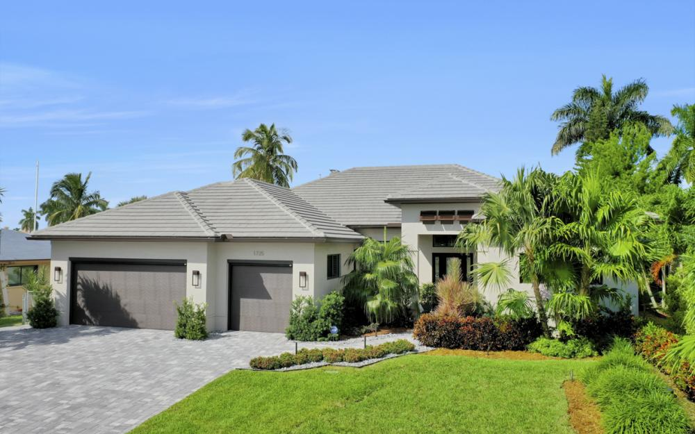 1725 SE 44th St, Cape Coral - Luxury Home For Sale 442270776