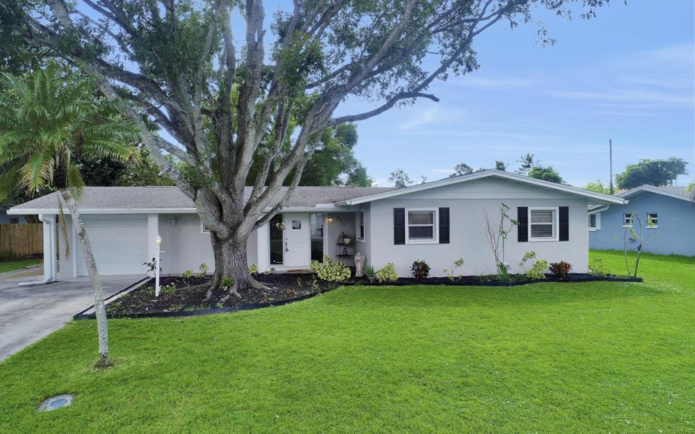 912 Dean Way, Fort Myers - Home For Sale 1752559615