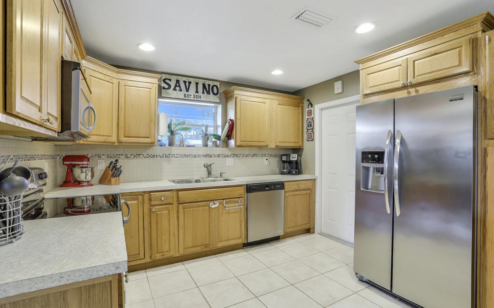 912 Dean Way, Fort Myers - Home For Sale 1213681927
