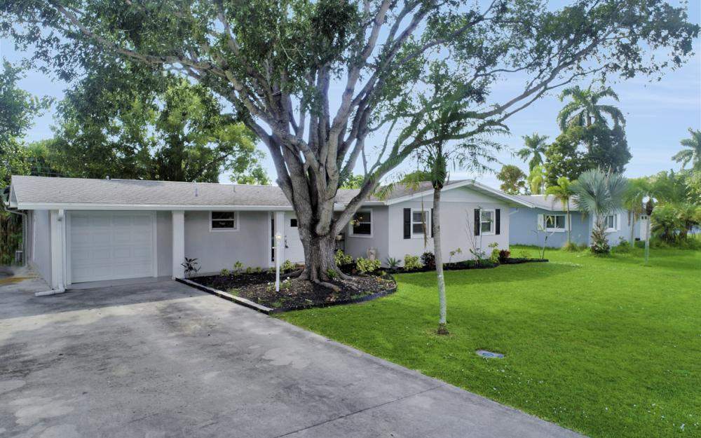 912 Dean Way, Fort Myers - Home For Sale 1425711543