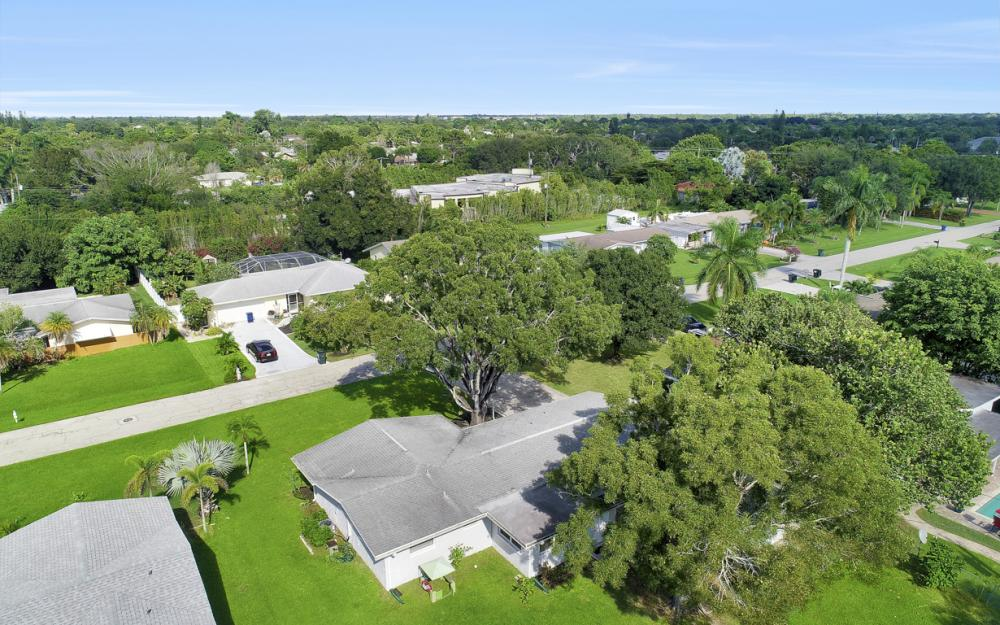 912 Dean Way, Fort Myers - Home For Sale 1172466284