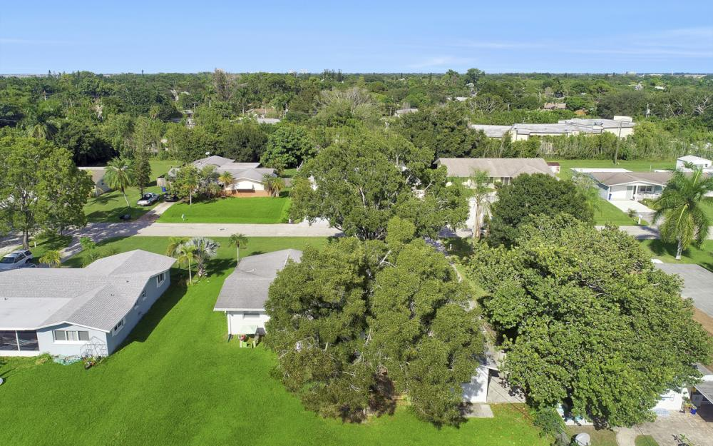 912 Dean Way, Fort Myers - Home For Sale 1289043478