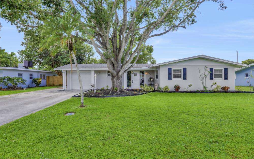 912 Dean Way, Fort Myers - Home For Sale 587967494
