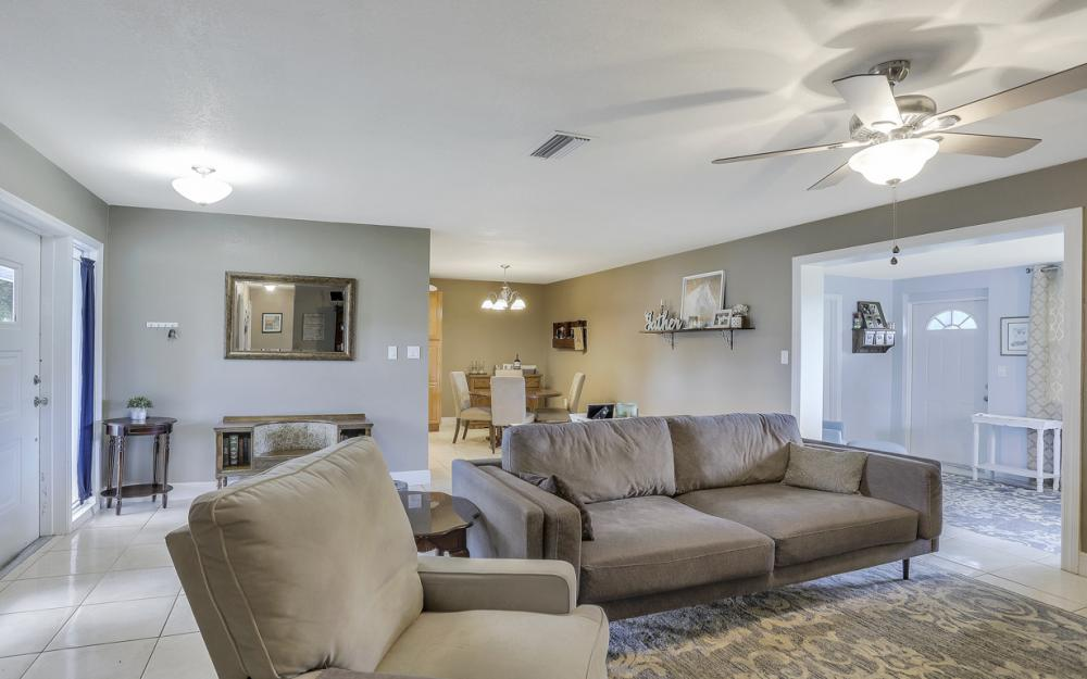 912 Dean Way, Fort Myers - Home For Sale 723640714