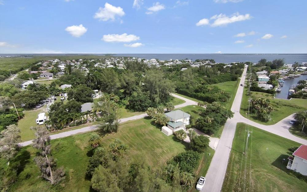 2430 Palm Ave, St James City - House For Sale 431026292