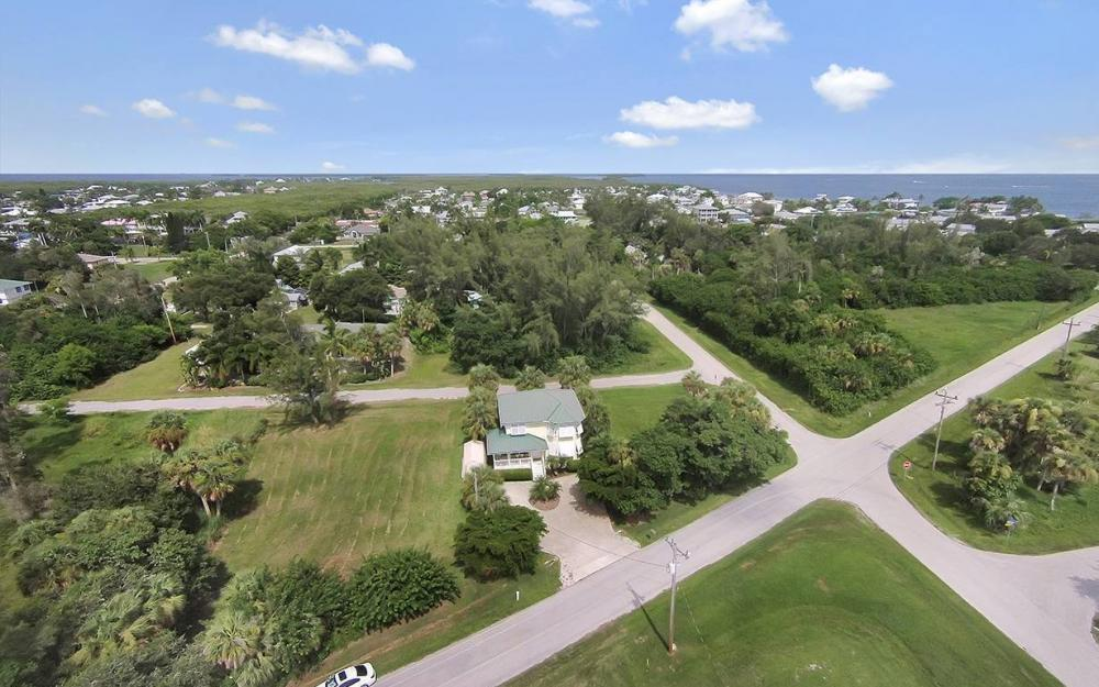 2430 Palm Ave, St James City - House For Sale 1677113707