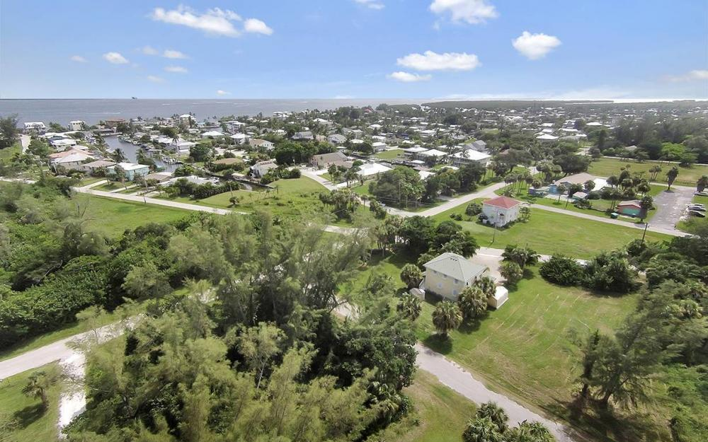2430 Palm Ave, St James City - House For Sale 1588557513