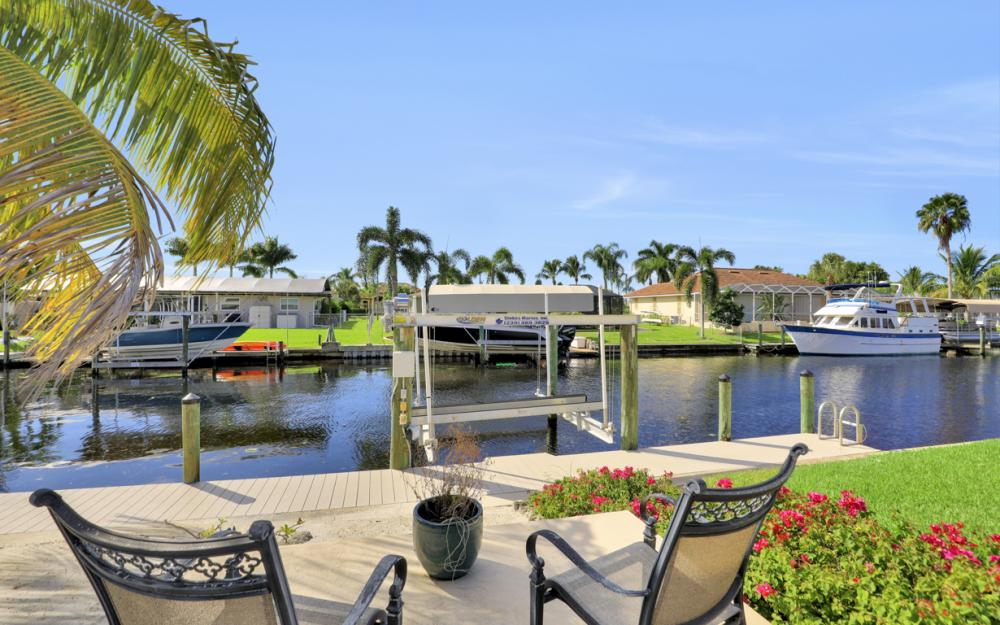 148 SW 54th St, Cape Coral - Home For Sale 228167526