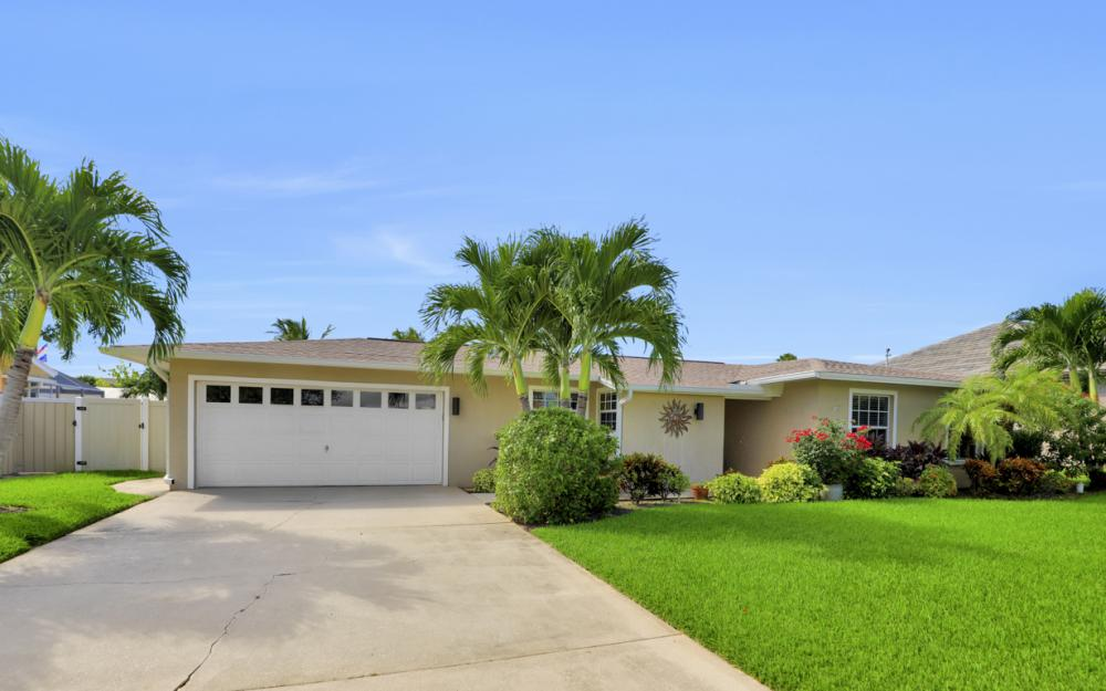 148 SW 54th St, Cape Coral - Home For Sale 801704762