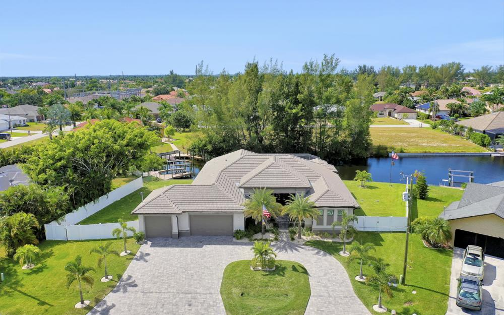 4710 SW 19th Pl, Cape Coral - Luxury Home For Sale 2069577209