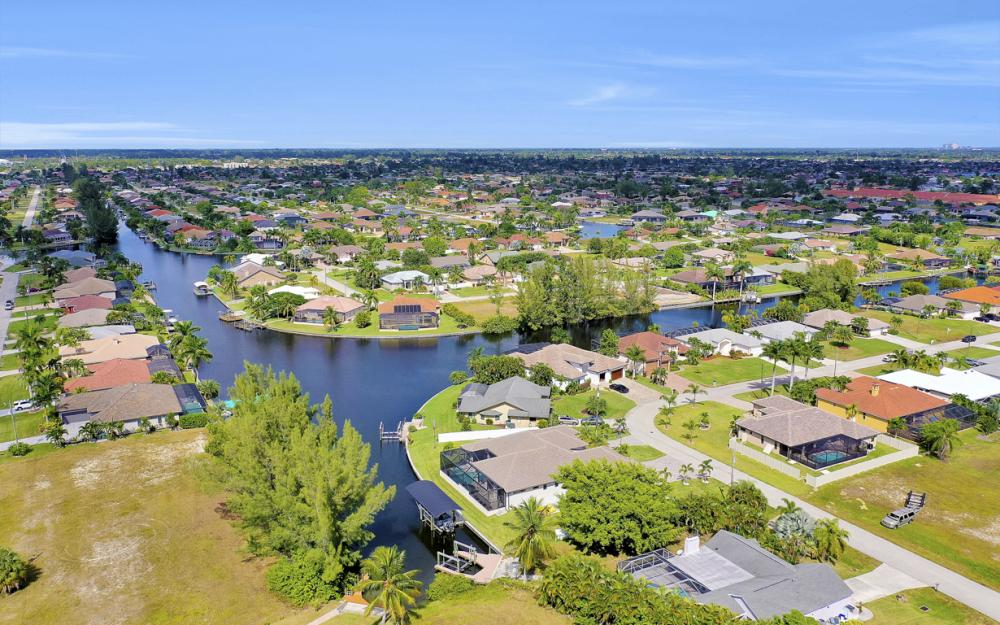 4710 SW 19th Pl, Cape Coral - Luxury Home For Sale 1822683087