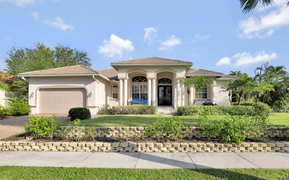 818 Hyacinth Ct, Marco Island - Vacation Rental 667921516