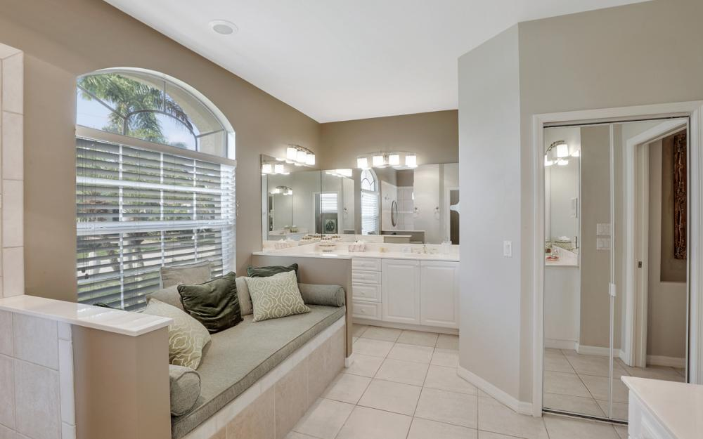 818 Hyacinth Ct, Marco Island - Vacation Rental 401416688