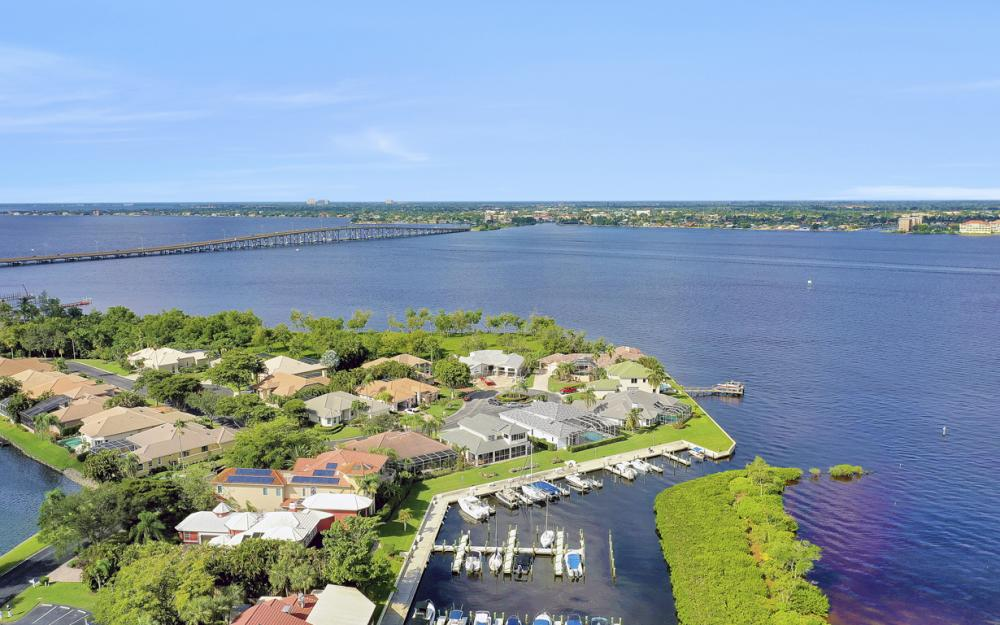 9900 Caloosa Yacht and Rcqt Dr, Fort Myers - Home For Sale 1729955271