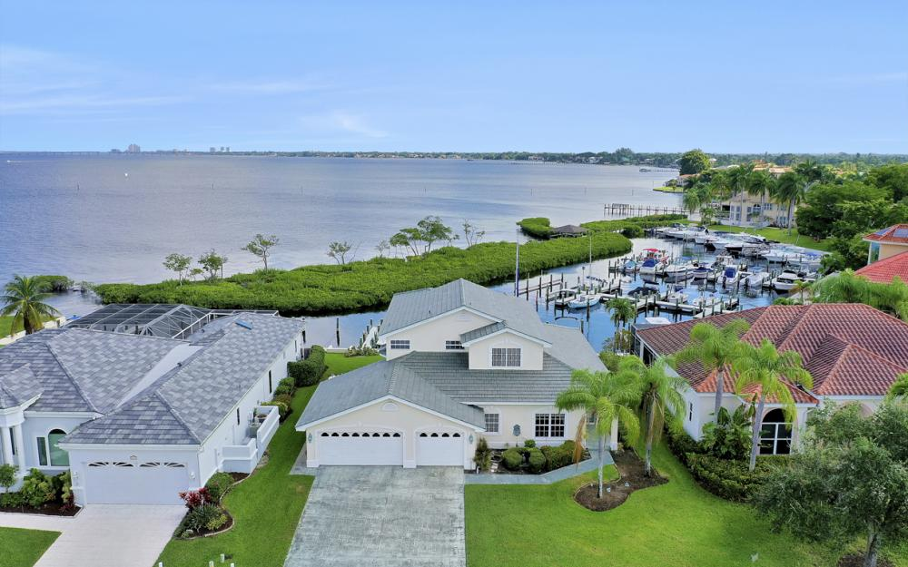 9900 Caloosa Yacht and Rcqt Dr, Fort Myers - Home For Sale 1030271088