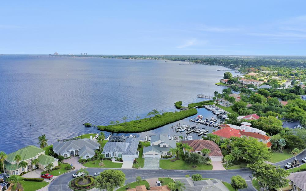 9900 Caloosa Yacht and Rcqt Dr, Fort Myers - Home For Sale 202566802