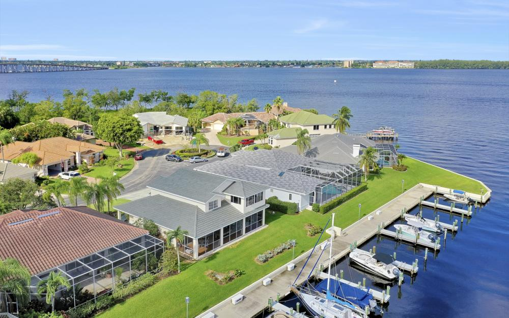 9900 Caloosa Yacht and Rcqt Dr, Fort Myers - Home For Sale 897177046