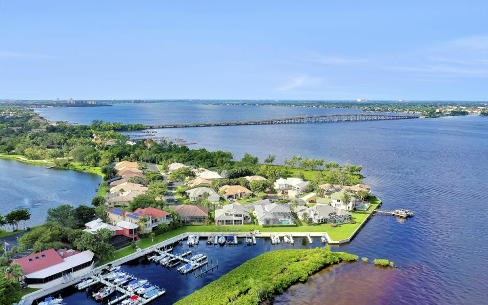 9900 Caloosa Yacht and Rcqt Dr, Fort Myers - Home For Sale 756529180