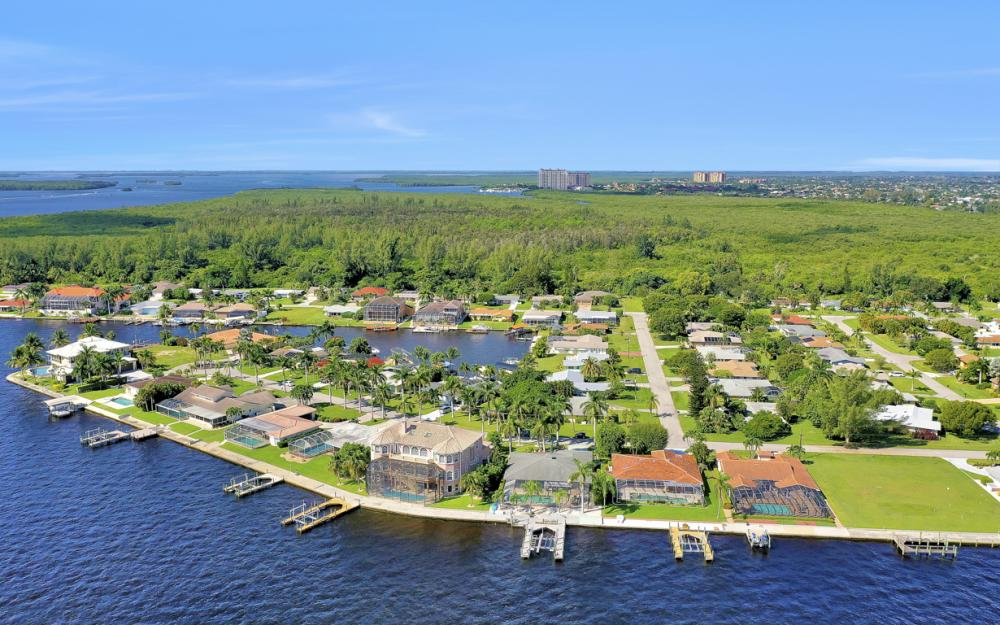 5921 SW 1st Ave, Cape Coral - Home For Sale 2092267713