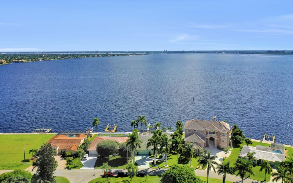 5921 SW 1st Ave, Cape Coral - Home For Sale 1110931873